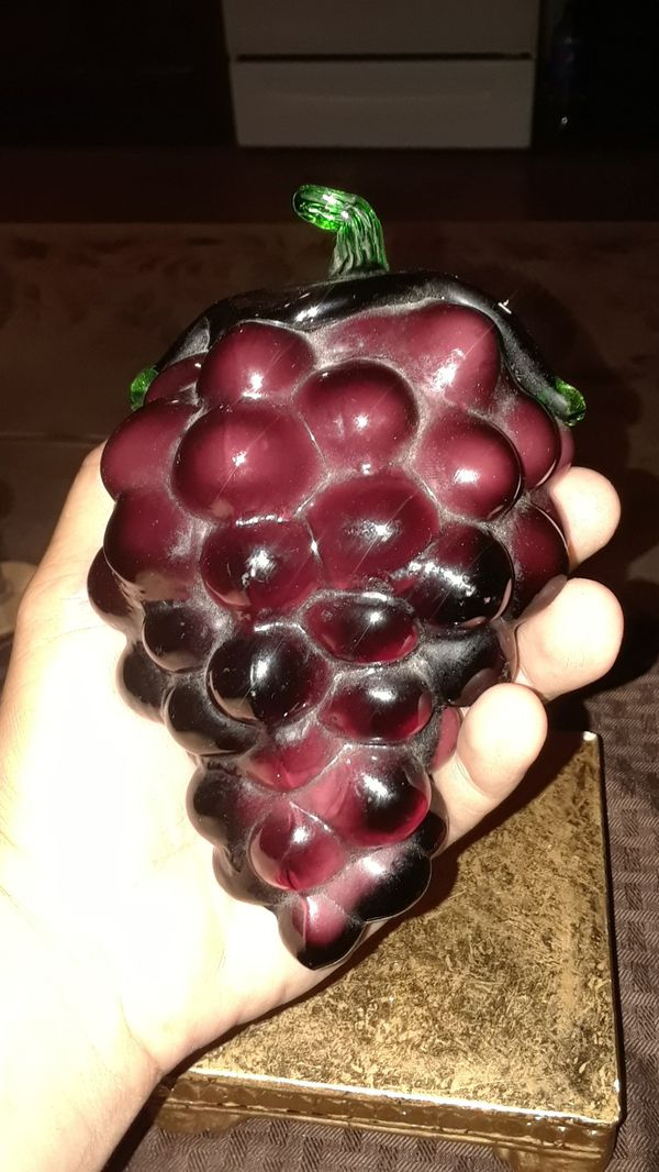 VINTAGE RARE 1960S HANBLOWN RED GRAPES FROM ITALY