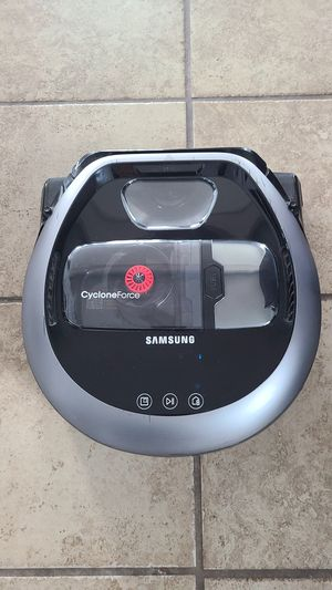 SAMSUNG R7065 ROBOT VACUUM. for Sale in Cranston, RI