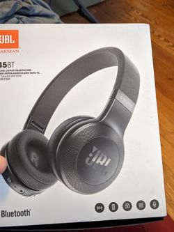 JBL E45 Bluetooth Wireless Headphones Price Negotiable for Sale in Taunton,  MA