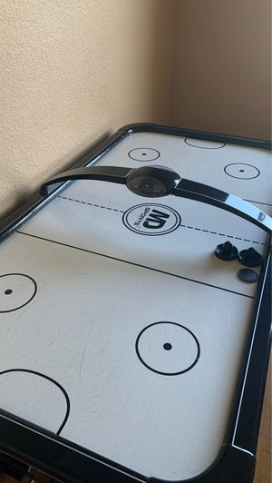 Air hockey table for Sale in Sunrise, FL