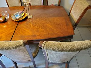 8 chairs extended dinning room table set for Sale in Palm Bay, FL