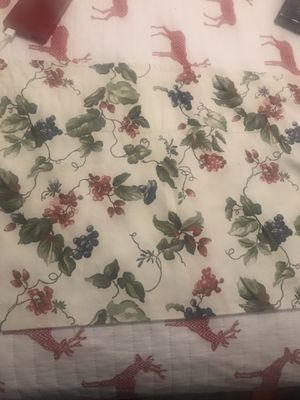6 window valance each one is 6f long for Sale in Placentia, CA