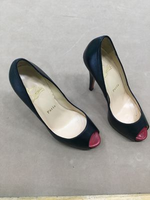 Christian Louboutin size 36 for Sale in Tampa, FL