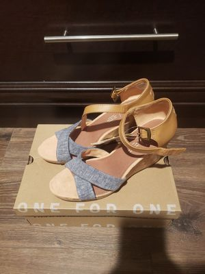 Toms shoes size 9.5 brand new for Sale in Westminster, CA
