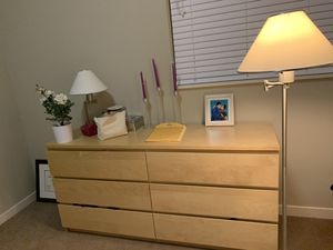 Dresser with 6 big drawer for Sale in Cleveland, OH