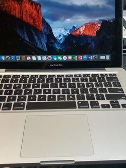 MacBook Pro. 2010 for Sale in Chicago,  IL