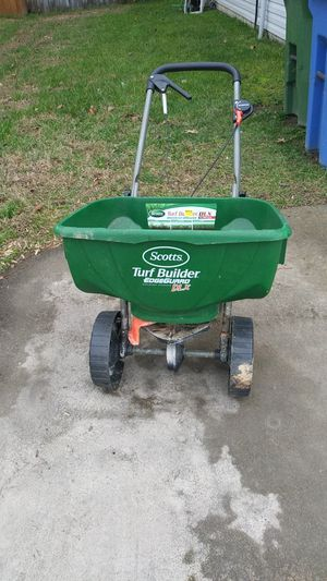 Scott's spreader for Sale in Fuquay-Varina, NC