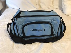 COOLER BAG WITH SIDE POCKETS & SHOULDER STRAP NEW for Sale in Brooklyn, NY