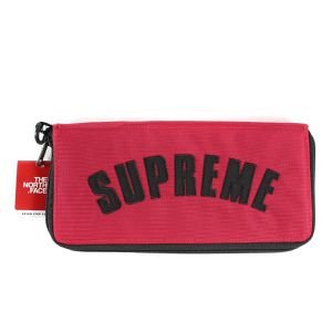 Supreme / The North Face Arc Logo Organizer Red (Brand New with Tags) for Sale in Los Angeles, CA