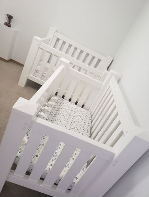 Twin Cribs (white) for Sale in East Wenatchee, WA