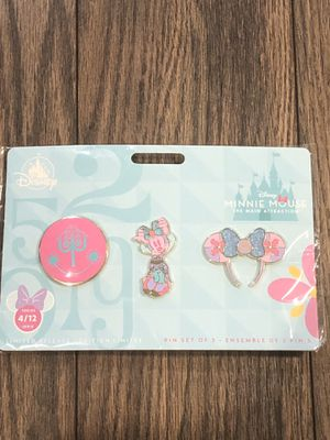 Disney April the main attraction pin set! for Sale in Lakewood, WA