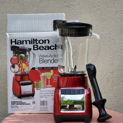 NEW HAMILTON BEACH WAVE- ACTION BLENDER WITH GLASS JAR for Sale in Long Beach,  CA