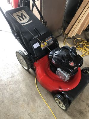 LIKE NEW PUSH MOWER WITH BAG for Sale in St. Louis, MO