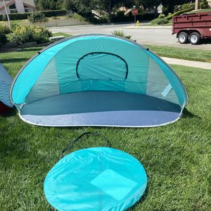 Pop Up Tent (red) for Sale in Yucaipa, CA