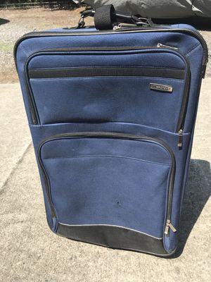 Suitcase 28 x 18 x 9 for Sale in North Charleston, SC