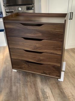 Dresser for Sale in Torrance,  CA