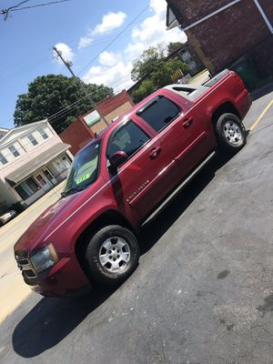 2007 Chevy Avalanche for Sale in Cleveland, OH
