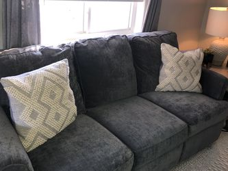 Grey Double Reclining Sofa for Sale in South Lyon,  MI
