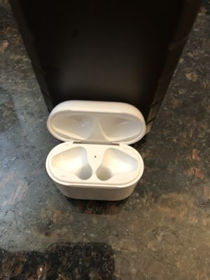 AirPods charging case for Sale in Queens, NY