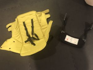 Joovy Caboose rear seat in Citron and car sear adaptor for Sale in Aurora, CO