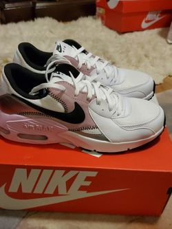 Brand New Women's Nike Air Max Shoes Size 8.5 for Sale in North Bend,  WA