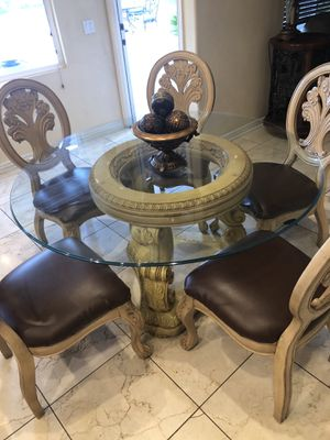 Kitchen table with chairs! for Sale in El Cajon, CA