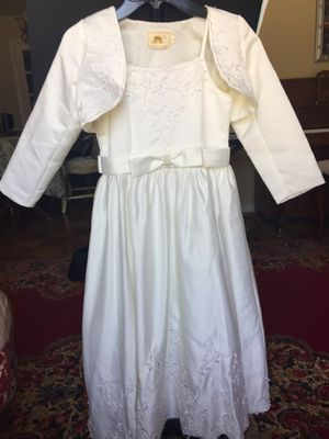 2 Flower girls dresses, size 8 for Sale in San Mateo, CA