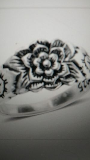 New- sterling silver floral ring. Size 7 for Sale in Palmetto, FL