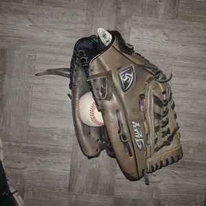 Softball Baseball Glove Louisville 125 Series for Sale in Union City, CA