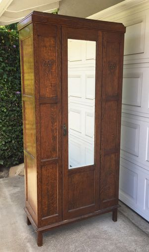 Antique tiger oak wardrobe/armoire for Sale in Los Angeles, CA
