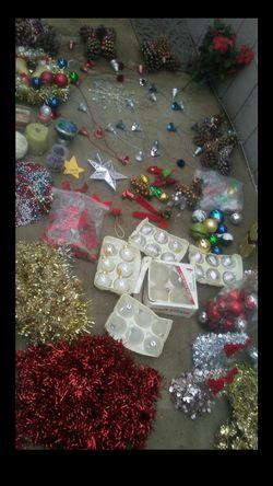 christmas decoration / decoración navideña ( bundle, all, todo ) for Sale in Bloomington,  CA
