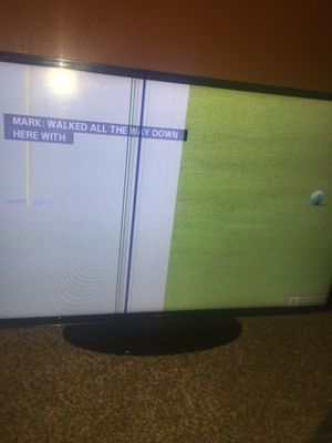 50 inch Samsung tv half screen as u can see for Sale in Dallas, TX