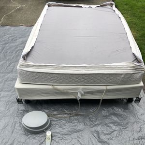 Queen Sleep Number 7000 PT full bed, two chambers, pump, base for Sale in Lacey, WA