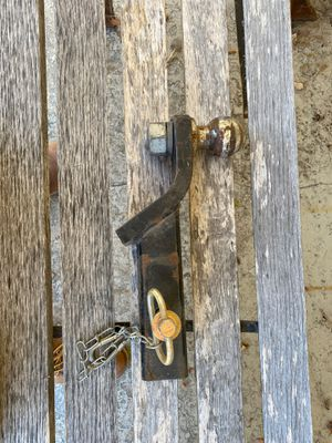 Tow hitch with a 2 inch ball for Sale in Hemet, CA