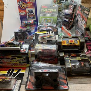 BUNDLE (28) DIE CAST REPLICA RACING CARS for Sale in Suffolk, VA