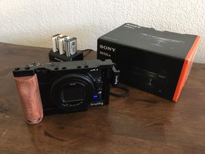 Sony RX100 VII like NEW for Sale in Pinole, CA