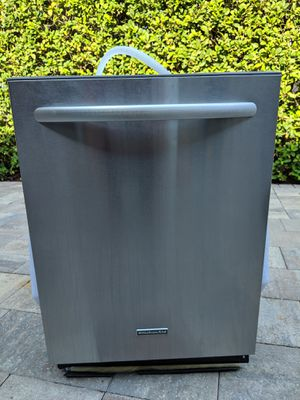Beautiful KitchenAid dishwasher model kude70fvss3 for Sale in Jacksonville, FL
