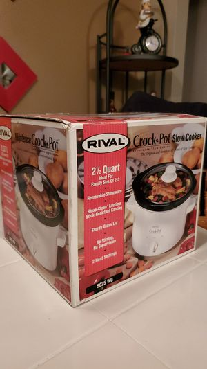 brand new Rival Crock Pot slow cooker 2.5qt for Sale in Marysville, WA
