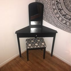 Black Corner Makeup Vanity for Sale in Columbia,  TN