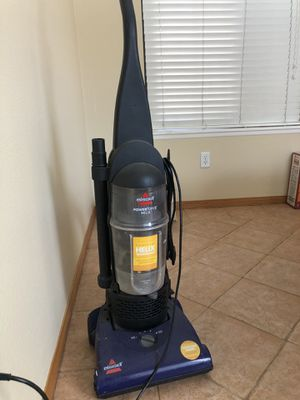 Bissell vacuum cleaner for Sale in Chino Hills, CA