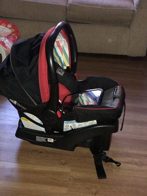 Graco car seat with base and mirror for Sale in Escondido, CA