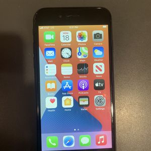 Apple 7 32G Unlocked $180 for Sale in Saint Charles, MO