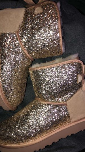Ugg women's boots brown glitter .. for Sale in Puyallup, WA