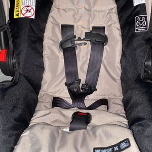 Graco Infant Carrier for Sale in Butler, PA