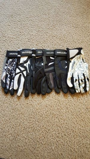 Right hand only .... 6, xl, New! baseball batting gloves for Sale in Marina del Rey, CA