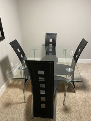 Amazing glass dining room table! for Sale in Webster, TX