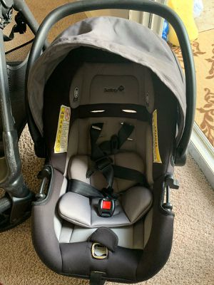Safety first Stroller and car seat with base for Sale in Springfield, VA