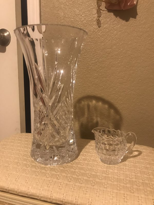 Glass flower vase with glass cup