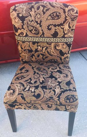 2 beautiful chairs excellent for a entryway,office,salon etc...I have 2 for Sale in Poinciana, FL