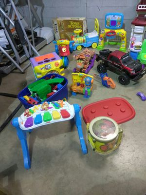 DAYCARE OR HOME BABY LEARNING TOYS KIDS RIDING TOYS READ DETAILS for Sale in St. Louis, MO